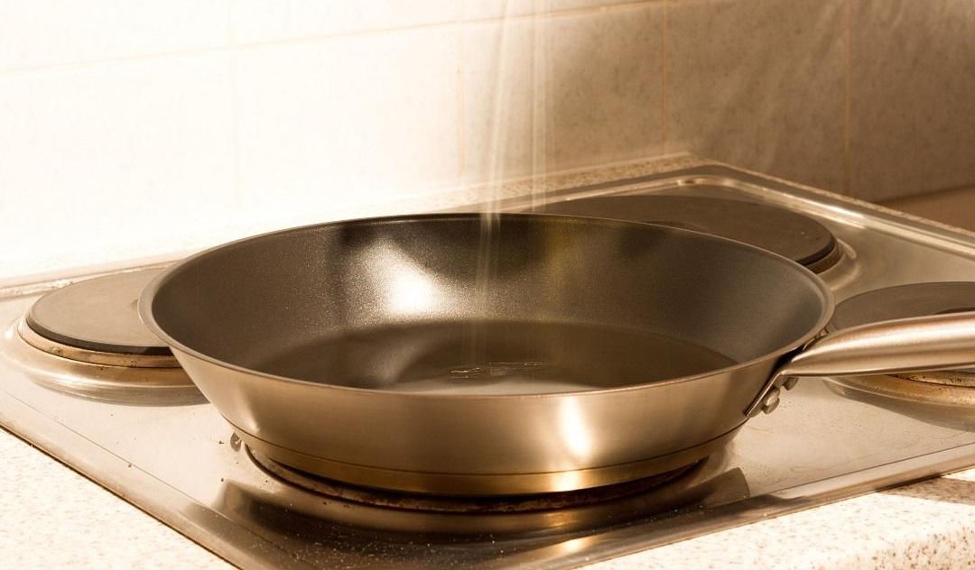 Olej kokosowy ma zastosowanie w kuchni (dieta i odchudzanie) np. do smażenia lub dodatek do dietetycznych dań