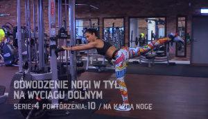 cwiczenia_na_uda_i_posladki_cwiczenie_3_odwodzenie_nogi_w_tyl_na_wyciagu_dolnym